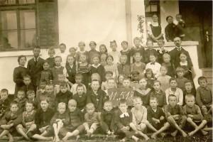 B 1918 05 11 ev. Schüler mit Lehrer
